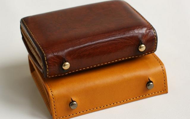 コンパクト二つ折り革財布 | ミッレフォッリエ - エムピウ(m+)