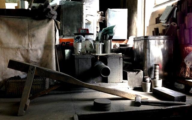 大阪錫器作業台