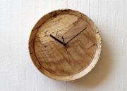 虫喰い材の壁掛け時計 「丸」 RetRe