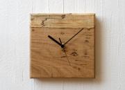 虫喰い材の壁掛け時計 「四角」