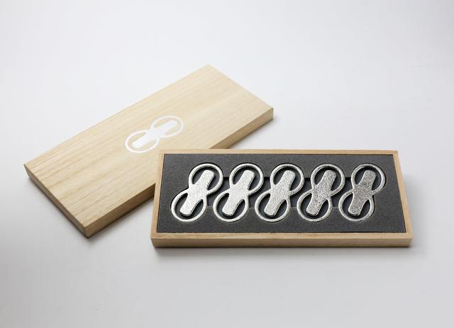 能作 曲げる箸置 「8」