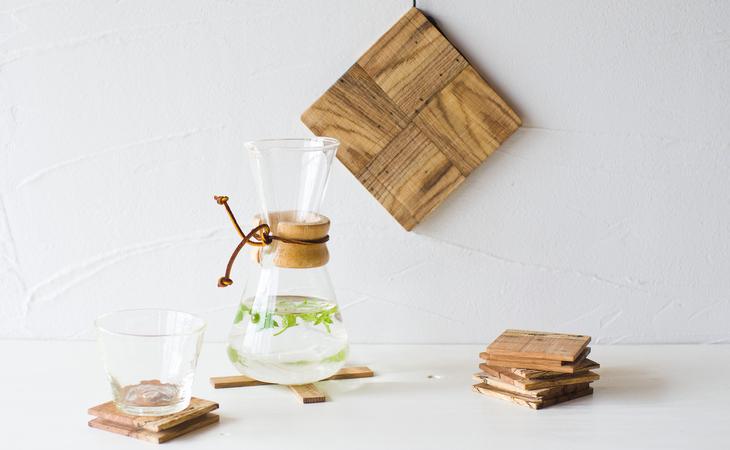 虫喰い材の鍋敷きチェックトップイメージ